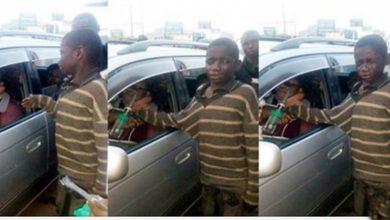 Photo of Trafik Işıklarında Dilenen Küçük Çocuk İle Hasta Kadının Duygu Dolu Hikayesi